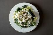 Une portion de 100 g de la salade... (PHOTO MARCO CAMPANOZZI, LA PRESSE) - image 2.0