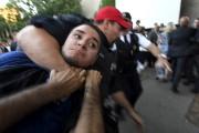 Le suspect a été rapidement maîtrisé par les... (La Presse, Bernard Brault) - image 1.0