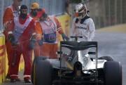 Lewis Hamilton (Mercedes) a touché le mur en... (AP, Ivan Sekretarev) - image 1.0
