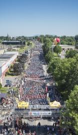 La foule de cyclistes était plus qu'impressionnante, samedi,... (Photo courtoisie, Grand défi Pierre Lavoie) - image 1.0