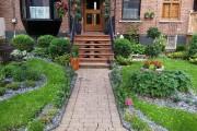 Les galets d'ardoise font ressortir tous les végétaux... (PHOTO FOURNIE PAR ALEX NÉRON ARTISAN PAYSAGISTE) - image 2.0
