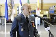 Le colonel Darcy Molstad a présidé la cérémonie... (Photo Le Quotidien, Mariane L. St-Gelais) - image 3.0