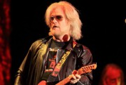 Daryl Hall lors d'un concert de Hall & Oates en Pennsylvanie,... (photo Owen Sweeney, archives associated press) - image 2.0