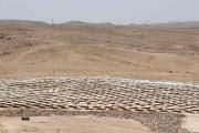 Aux pieds de la tour s'étendra un champ... (PHOTO JACK GUEZ, AFP) - image 2.0