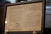 Les contrats originaux signés par Jackie Robinson avec... (Photo André Pichette, La Presse) - image 1.0