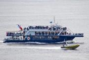Quel bateau - le petit ou le grand - est le... (Photo David Boily, La Presse) - image 2.0