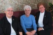 Les soeurs Diane Robert, Marguerite Dufour et Clémence... - image 6.0