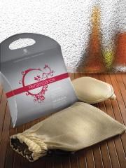 Le gant exfoliant Renaissance, le pre-mier produit mis... - image 5.0