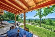 La piscine au sel, fort utilisée, fait 40pi... (Photo fournie par Profusion Immobilier) - image 2.0
