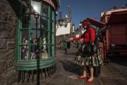 Les baguettes magiques interactives permettent d'animer 11vitrines du... (Photo Mathieu Waddell, La Presse) - image 3.0