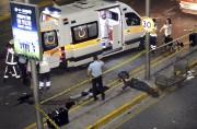 Plus d'une dizaine d'ambulances ont été dépêchées sirènes... (AFP, Ilhas News Agency) - image 2.0