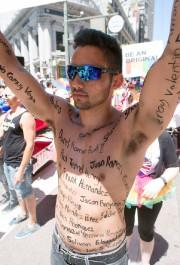 Thomas Pedroza avait inscrit sur son corps les... (AFP, Josh Edelson) - image 2.0