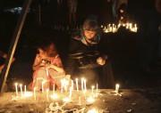 Les Irakiens fulminaient lundi contre leur gouvernement... (AP, Hadi Mizban) - image 4.0