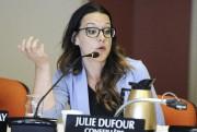 La conseillère Julie Dufour a émis des réserves... (Photo Le Quotidien, Mariane L. St-Gelais) - image 3.0