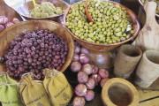 Au marché de Lourmarin, les incontournables - et... (Le Soleil, Mylène Moisan) - image 8.0