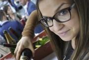 Les vins de l'Alsace étaient à l'honneur, jeudi... (Photo Le Quotidien, Rocket Lavoie) - image 2.1