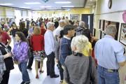 Environ 200 personnes ont assisté au vernissage de... (Photo Le Progrès-Dimanche, Rocket Lavoie) - image 1.1