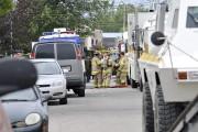 Les pompiers se tenaient prêts à intervenir, advenant... (Photo Le Progrès-Dimanche, Rocket Lavoie) - image 3.0