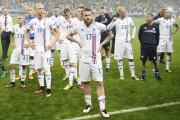 À chaque fin de match, les Islandais ont... (AFP, MARTIN BUREAU) - image 2.0
