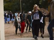 La chanteuse américaine Madonna a visité dimanche le... (AP, Thoko Chikondi) - image 2.0