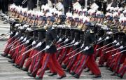 Des cadets de l'école militaire spéciale de Saint-Cyr... (photo Charles Platiau, REUTERS) - image 2.1