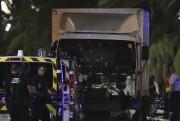 Le chauffeur du camion, identifié parNice Matincomme un... (PHOTO VALERY HACHE, AFP) - image 1.0