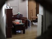 Une vue de l'intérieur de l'appartement perquisitionné.... (PHOTO NICEMATIN.COM) - image 2.1