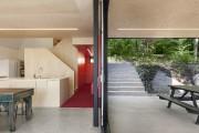 L'espace à vivre profite de parois vitrées, qui... (Maxime Brouillet) - image 1.1