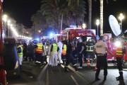 Les gens couraient désorientés, les secours se massaient... (AFP, Valery Hache) - image 5.0