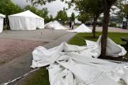 Huit des quinze tentes montées lundi en prévision... (Photo Le Quotidien, Jeannot Lévesque) - image 4.0
