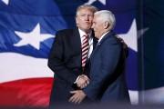 Le colistier de Donald Trump, le conservateur Mike... (AP) - image 3.0