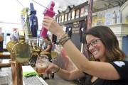 Plusieurs bières étaient offertes. Les festivaliers pouvaient les... (Photo Le Quotidien, Rocket Lavoie) - image 3.0