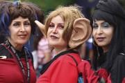 Une fan de Star Trek déguisée en l'alien... (AFP, Bill Wechter) - image 1.0