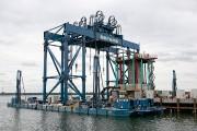 L'installateur flottant de fondations.... (PHOTO DAVID BOILY, LA PRESSE) - image 4.0