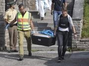 Lundi, la police a découvert divers matériaux et... (AFP, Daniel Karmann) - image 3.0