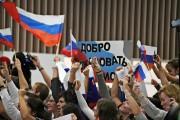 Les amateurs russes étaient nombreux à attendre les... (photo VANDERLEI ALMEIDA, AFP) - image 2.0