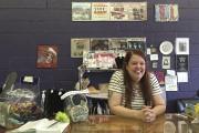 Jen Thurman, la propriétaire du magasin de disques... (AP, Ben Finley) - image 1.0