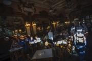 Le Café Majestic... (AFP, Miguel Riopa) - image 2.0