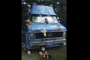 Une autocaravane envahie de peluches provenant du Monde... (Catherine Trudeau, La Voix de l'Est) - image 2.0