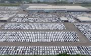 Des véhicules Volkswagen et Audi sont stationnés au... - image 9.0
