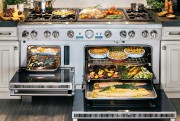 Cette cuisinière biénergie Pro Grand de 60po, de... (PHOTO FOURNIE PAR THERMADOR) - image 3.0