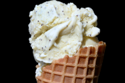 La crème glacée Citron et pavot de Lacrem... (Le Soleil, Jean-Marie Villeneuve) - image 2.0