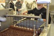 La fabrication demande du doigté pour ne pas... (Photo Le Quotidien, Louis Potvin) - image 2.0