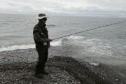 Un pêcheur de bar rayé près du camping... (Le Soleil, François Bourque) - image 5.0