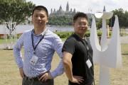 Les artificiers Guokay Tang et Dashu Deng, de... (Patrick Woodbury, LeDroit) - image 2.0