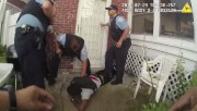 La scène a été filmée par neuf caméras,... (PHOTO AP/POLICE DE CHICAGO) - image 1.0