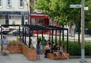 La place publique sur la rue Saint-Valier, dans... (Le Soleil, Erick Labbé) - image 3.0