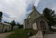 L'humble chapelle de bois peinte en jaune tendre... (PHOTO FRANÇOIS ROY, LA PRESSE) - image 2.0