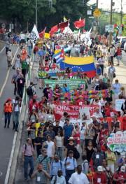 Des milliers de personnes ont participé hier à... (Photo Clément Sabourin, Agence France-Presse) - image 1.0