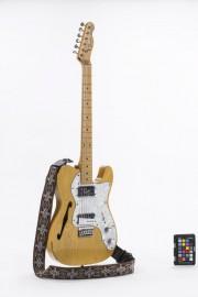 La Fender Telecaster Thinline 72 de Dédé Fortin... (PHOTO JULIEN AUGER, FOURNIE PAR LE MUSÉE DE LA CIVILISATION) - image 2.0